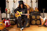 Slash a cantat alaturi de Lemmy la Download 2010 (video)