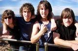 Chitaristul Airbourne a fost intervievat la Download 2010 (video)