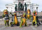 Dinozaurii heavy metal se bucura de un succes masiv in Finlanda (video)