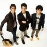 Jonas Brothers vor sa o invinga pe Miley Cyrus