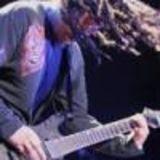 Chitaristul Korn isi intalneste fanii