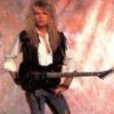 Fostul chitarist Whitesnake deschide expozitie