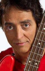 Basistul lui Santana, profesor pentru o zi in Romania