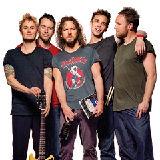Pearl Jam au cantat alaturi de chitaristul Rolling Stones