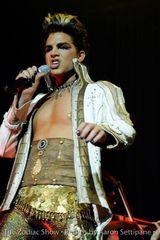 Brian May crede ca Adam Lambert este cel mai talentat tanar solist