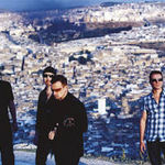Basistul U2 isi da in judecata asistentul personal