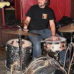 Dave Lombardo canta prin restaurante (foto)