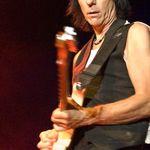 Jeff Beck canta cu Eric Clapton