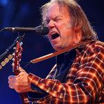 Neil Young a primit titlul de Persoana Anului