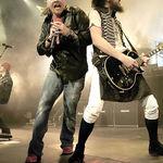 Guns N Roses au fost huiduiti in Canada