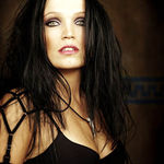 Tarja Turunen a cantat alaturi de Scorpions (Video)