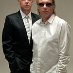 Dans contemporan disco-metal cu Pet Shop Boys si Graveworm (video)