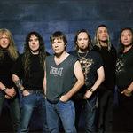 Chitaristul Iron Maiden sprijina o campanie de 'eliberare' a unei statui