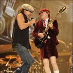 Concertul AC/DC va putea fi vazut si din curtea Palatului Parlamentului