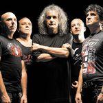 Iris canta in deschiderea concertului AC/DC din Bucuresti (Oficial)