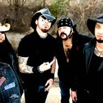 Hellyeah au cantat o noua piesa in Brooklyn (Video)