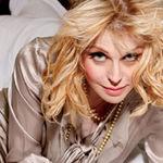 Courtney Love foloseste Twitter pentru a comunica cu fiica sa