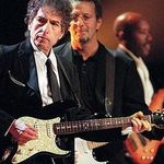 Bob Dylan isi vinde colectia de schite in Marea Britanie