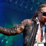 Axl Rose il acuza de sabotaj pe fostul manager Guns N Roses
