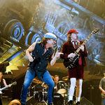 10 persoane anchetate in cazul spagii AC/DC