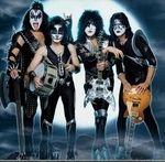 Filmari si interviu cu Kiss la Rock Am Ring 2010