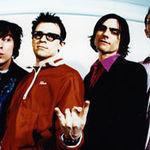 Weezer au compus imnul echipei Americii la fotbal (video)