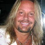 Solistul Motley Crue a cantat cu Scorpions la M3 Rock Festival (video)