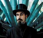 Serj Tankian il copiaza pe Mike Patton? (video)