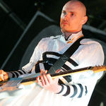 Solistul The Smashing Pumpkins s-a prabusit pe scena in Florida