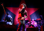 Rage Against The Machine au concertat in Los Angels dupa zece ani (video)