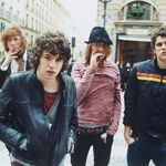 The Kooks lanseaza un nou album, cu Jim Abiss (video)