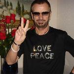 Pamela Anderson vrea sa salveze casa lui Ringo Starr