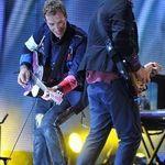Solistul Coldplay a sustinut un concert surpriza la conventia Apple