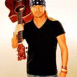 Bret Michaels semneaza cu Dean Guitars