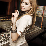 Avril Lavigne se afla in studio?