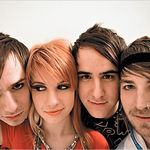 Paramore au lansat un nou videoclip: Playing God