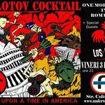 Los Pogos deschid concertul Molotov Cocktail din Underworld