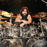 Avenged Sevenfold au renuntat la Mike Portnoy (ex-Dream Theater)