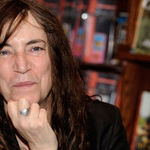 Patti Smith scrie un roman politist