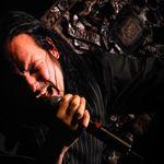 Asculta trei piese solo lansate de Jonathan Davis (Korn)