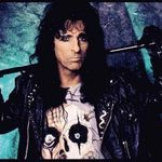 Alice Cooper a implinit 63 de ani!