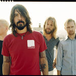 Foo Fighters canta in garajele fanilor