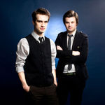 Panic At The Disco au cantat acustic la un radio din Canada (video)