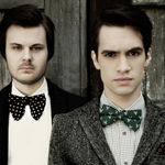 Panic At The Disco au fost invitati la Conan (video)