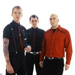 Basistul Alkaline Trio participa la The Revival Tour 2011