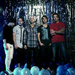 Simple Plan au lansat un videoclip nou: Can't Keep My Hands Off You