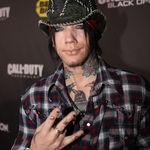 Guns N Roses: Compunem piese in fiecare zi