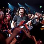 Dave Grohl a dat afara un fan de la concert