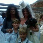 Slash a reinnoit juramintele de nunta cu sotia sa
