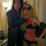 Lady Gaga este versiunea feminina a lui Alice Cooper